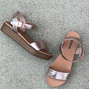 Soda Shoes Nebula Penny Comfort Flatform Sandal